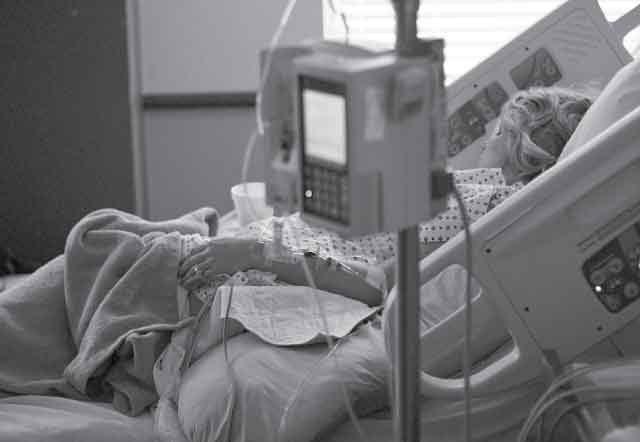 16 Dangerous cancer symptoms women ignore Today